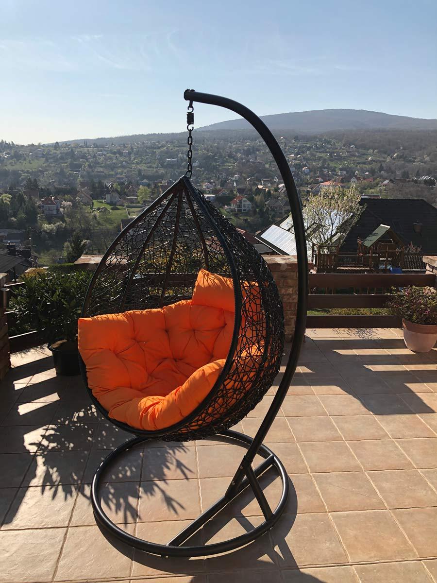 Casa luxus kültéri fekete műrattan függőfotel narancssárga párnával