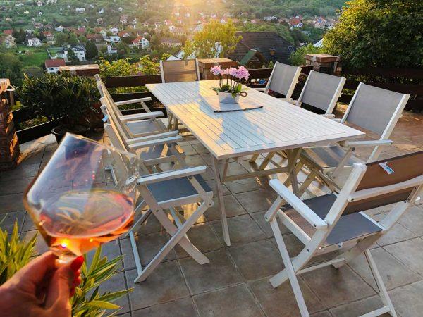 Lignano fa kerti étkező szett roséval