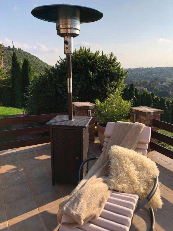 St. Moritz gázüzemű hősugárzó műrattan bevonattal